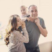 Дмитрий Соколов с женой с детьми