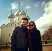 Максим Ярица с женой