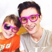 Эдвард Атева с младшим братом