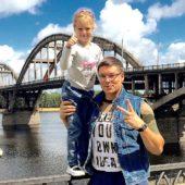 Андрей Чуев с дочкой