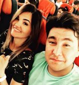 Азамат Мусагалиев с женой