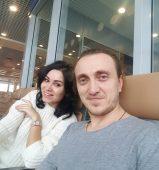 Денис Дорохов с женой