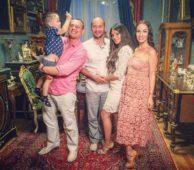 Степан Меньщиков с семьей
