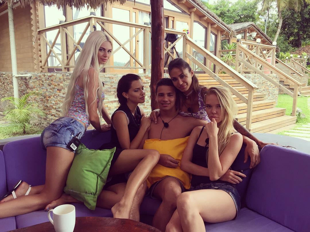 12 девушек на острове дом 2 фото