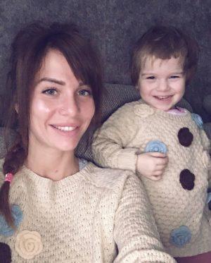 Александра Гозиас с дочкой
