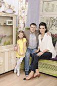Елена Борщева с мужем и дочкой
