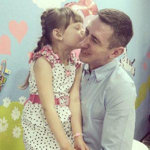 Сергей Катасонов с дочкой
