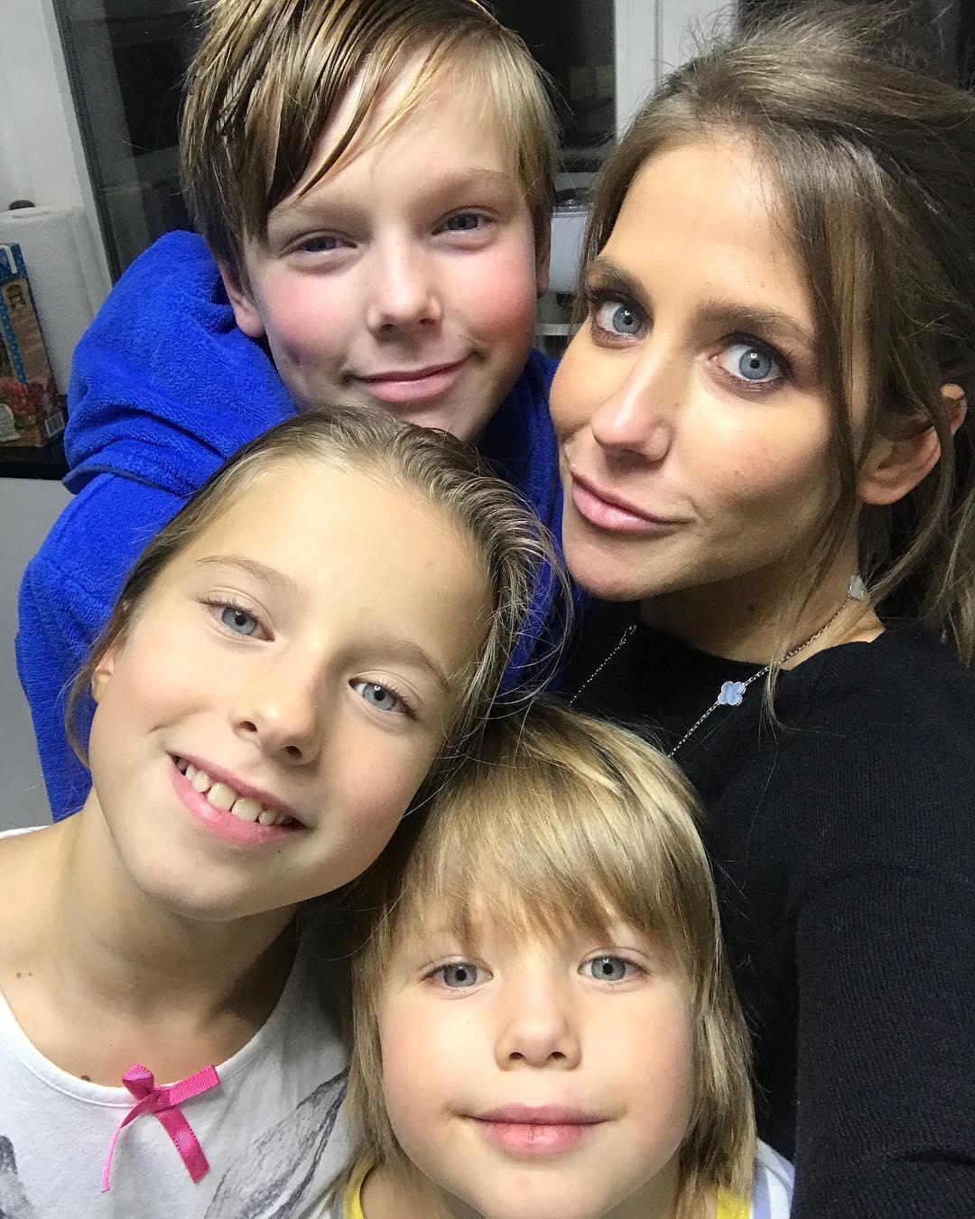 Инстаграм юлия барановская фото с детьми