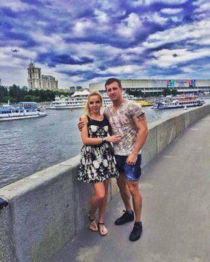 Евгений Руднев с девушкой
