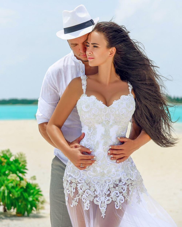 виктория романец вышла замуж фото ответить
