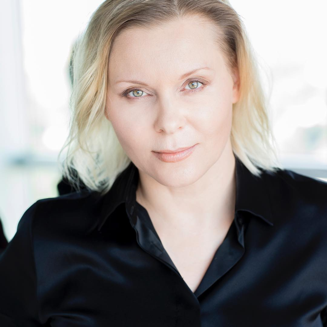 Яна Троянова – фильмы и биография актрисы, ее фото и личная жизнь (сын и муж Сигарев)